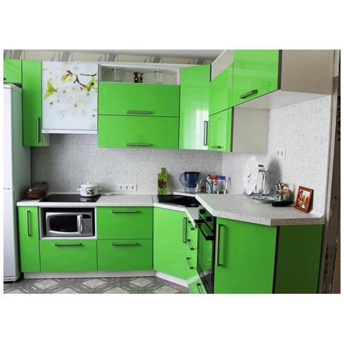 Бело зеленая кухня в хрущевке
